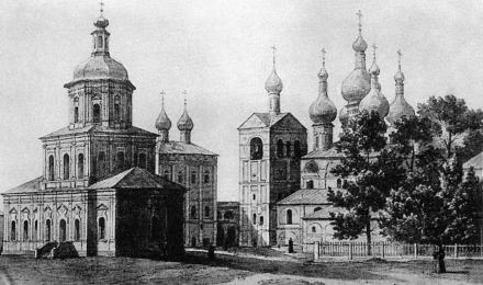 1-Внутренний-двор-Богоявленского-монастыря