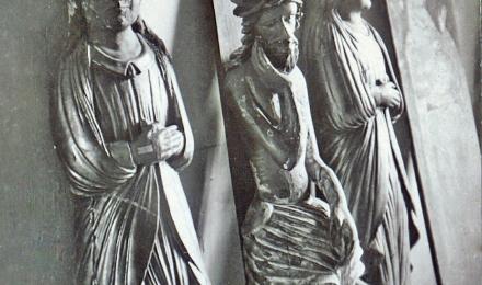 Резные скульптуры в Чухломском музее