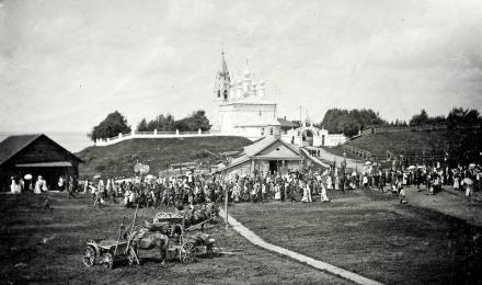 Чухлома. Крестный ход у Преображенского собора