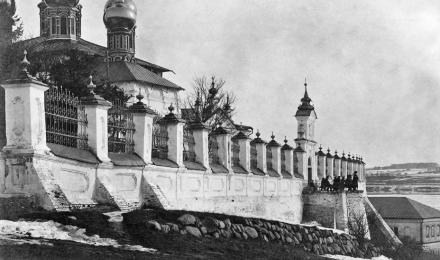 Ограда-Успенского-собора
